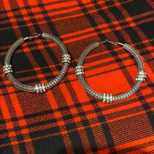 Guess hoops